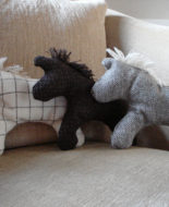 organic-tweed-wool-horses-02